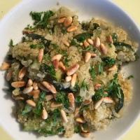 Quinoa mit Zucchini und Zwiebeln