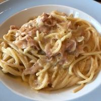 Spaghetti Carbonara mit Schinken und Rahm
